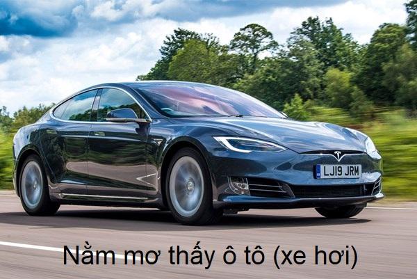 mo thay o to 1 - Nằm mơ thấy ô tô (xe hơi) điềm gì? Đánh con gì?